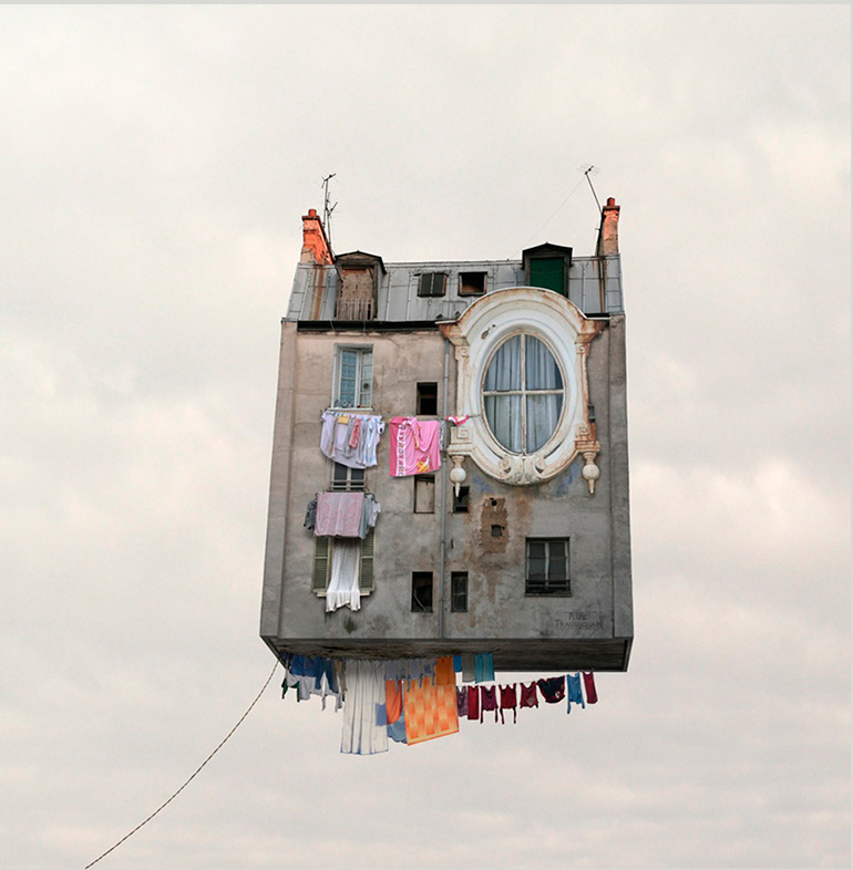 01-FlyingHouses