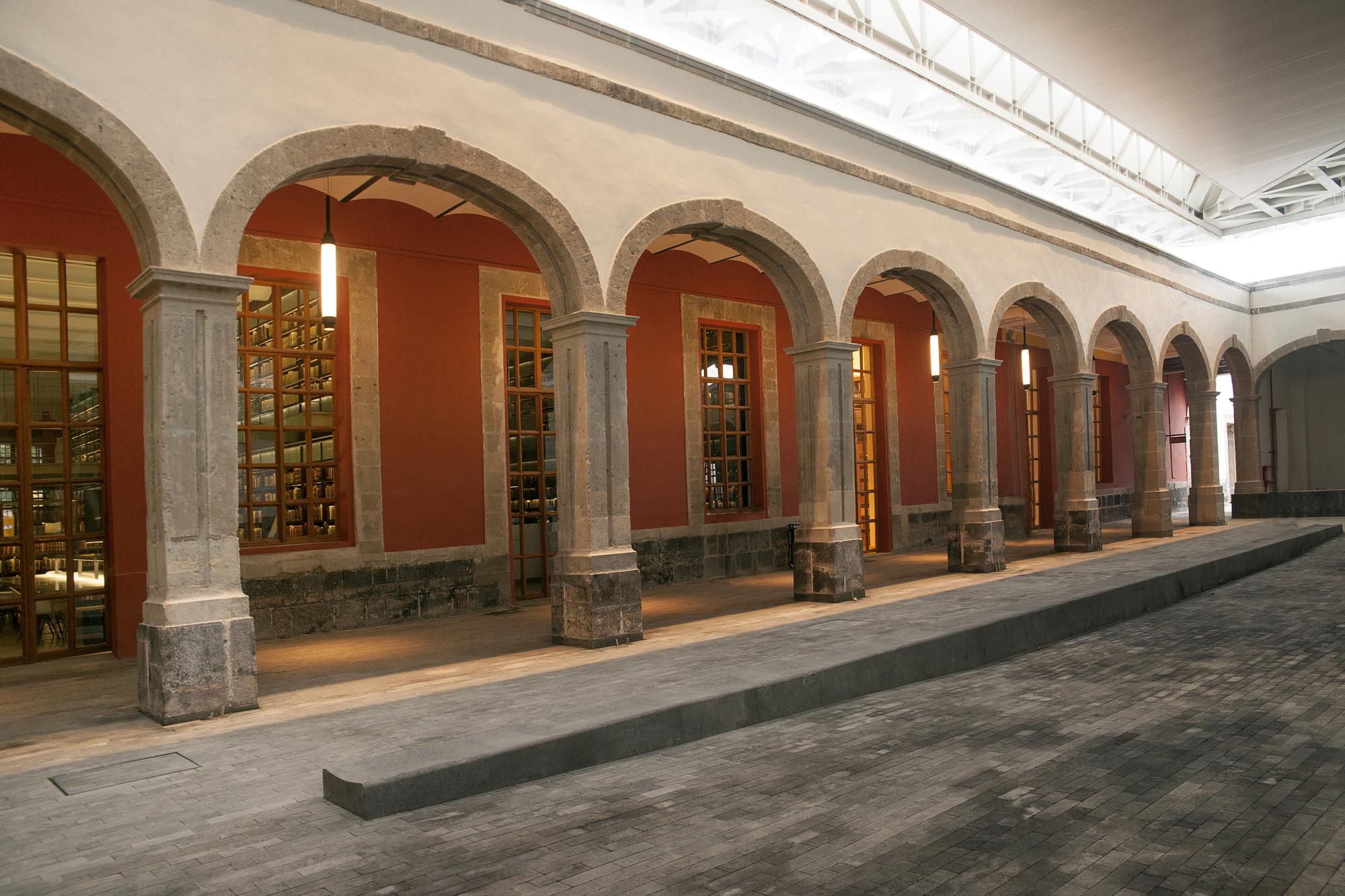 52e83c7fe8e44e3e3800002c_-the-city-of-the-books-and-the-images-taller-6a_dsc_5157