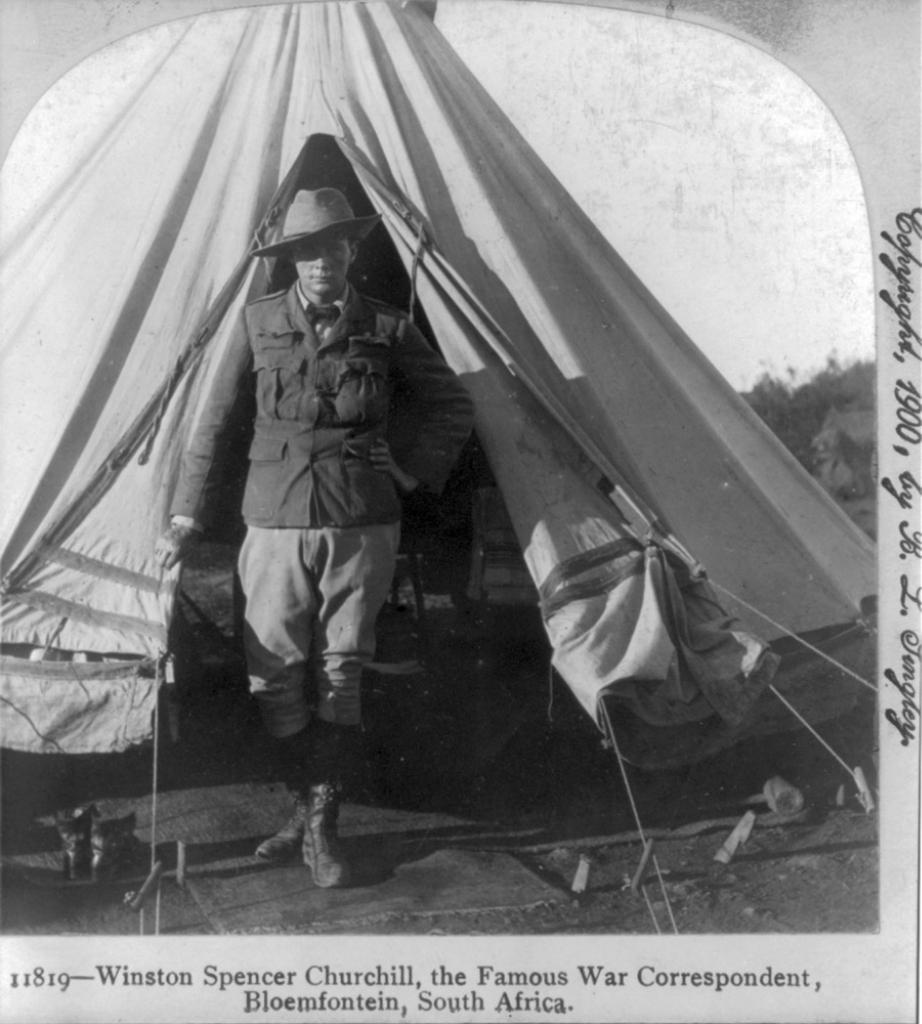 Уинстон Спенсер Черчилль, военный корреспондент, в Блумфонтейне, ЮАР.