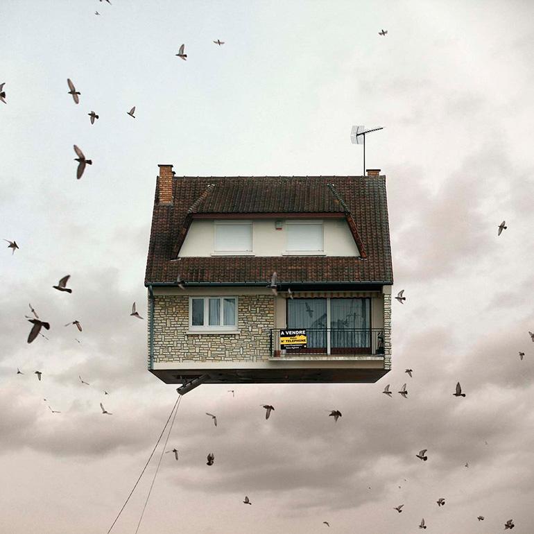 08-FlyingHouses