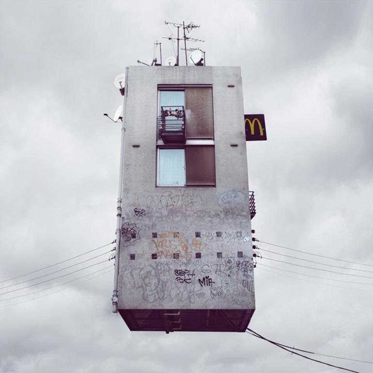 13-FlyingHouses