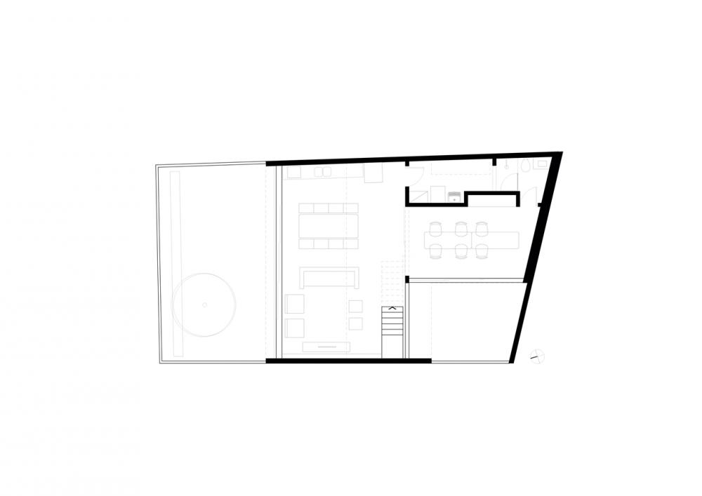 50cefad6b3fc4b7062000589_casa-maracan-terra-e-tuma-arquitetos-associados_ground_floor_plan1-1000x707
