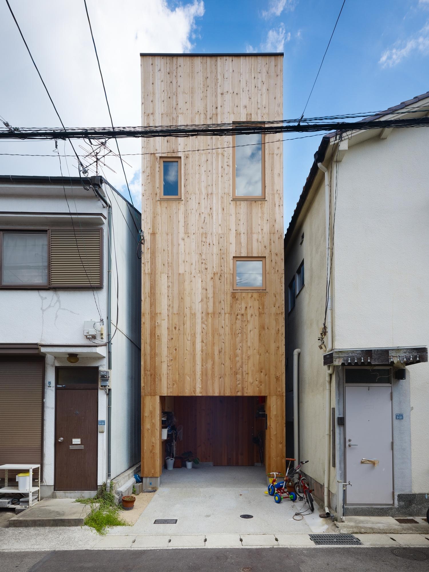 5144f2c7b3fc4b88c6000086_house-in-nada-fujiwarramuro-architects_oishi2167920001