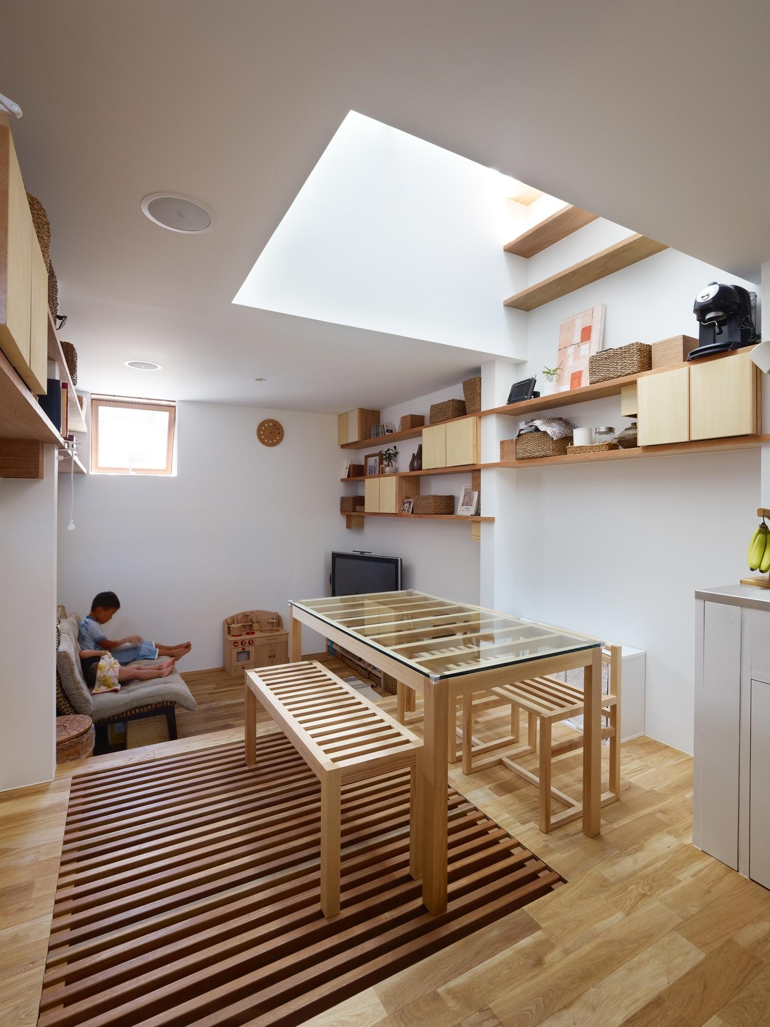 5144f2a4b3fc4b88c6000084_house-in-nada-fujiwarramuro-architects_oishi216652000
