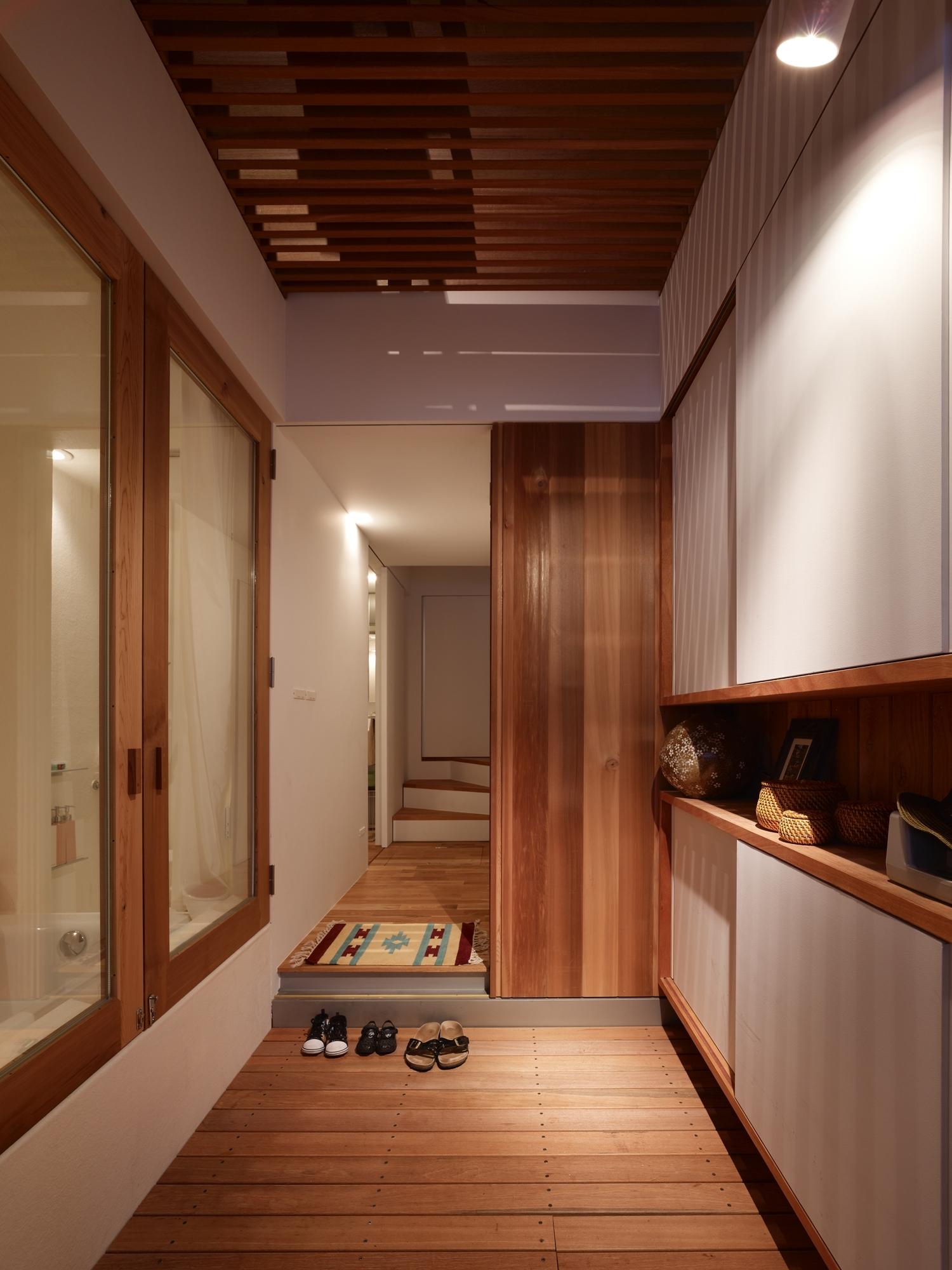 5144f2e0b3fc4b88c6000087_house-in-nada-fujiwarramuro-architects_oishi216922000