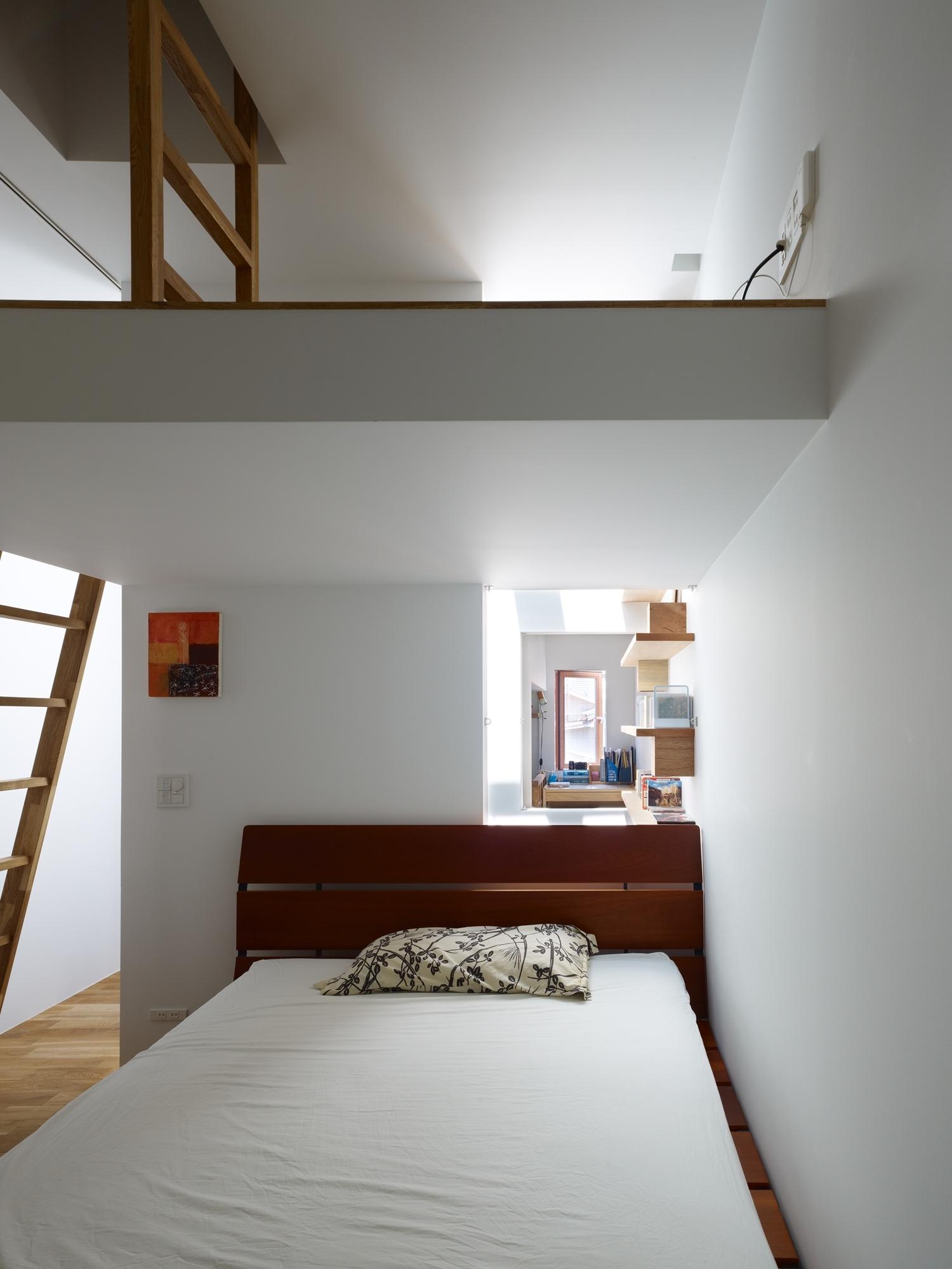 5144f285b3fc4bb1d8000076_house-in-nada-fujiwarramuro-architects_oishi216252000
