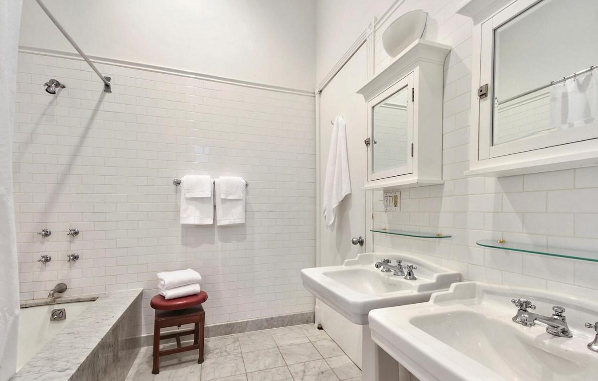 27-Howard-Street-2nd-Floor-Bathroom