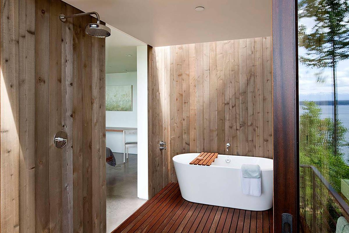 Case-Inlet-Home-Bathroom-Wooden-Flooring