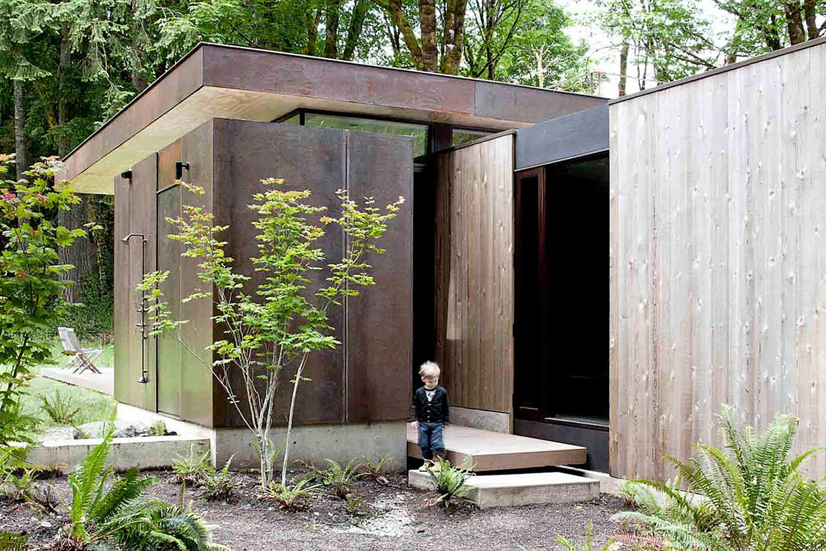 Case-Inlet-Home-Outdoor-Shower