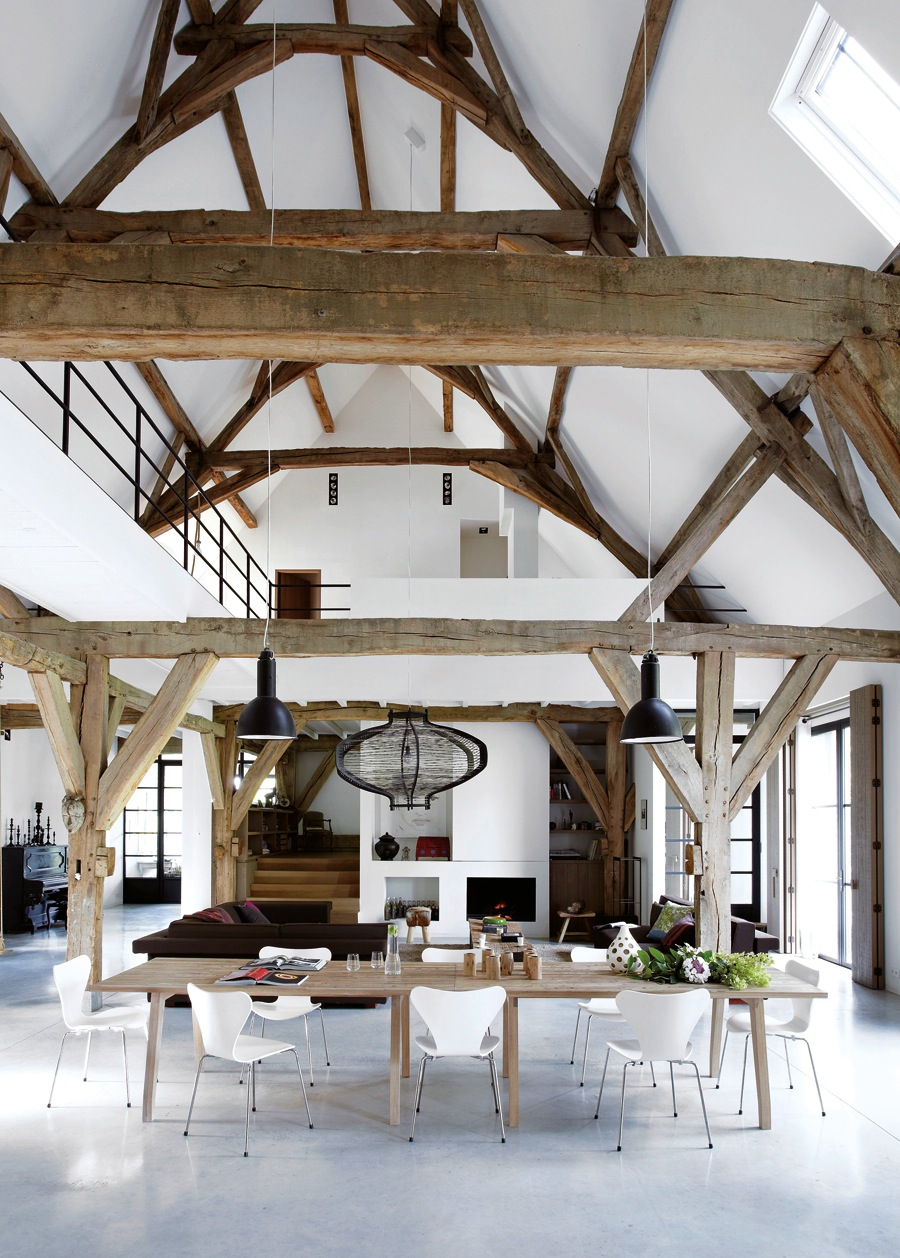 book-modern-country-caroline-clifton-mogg-living-space-exposed-beams-lattelisablog