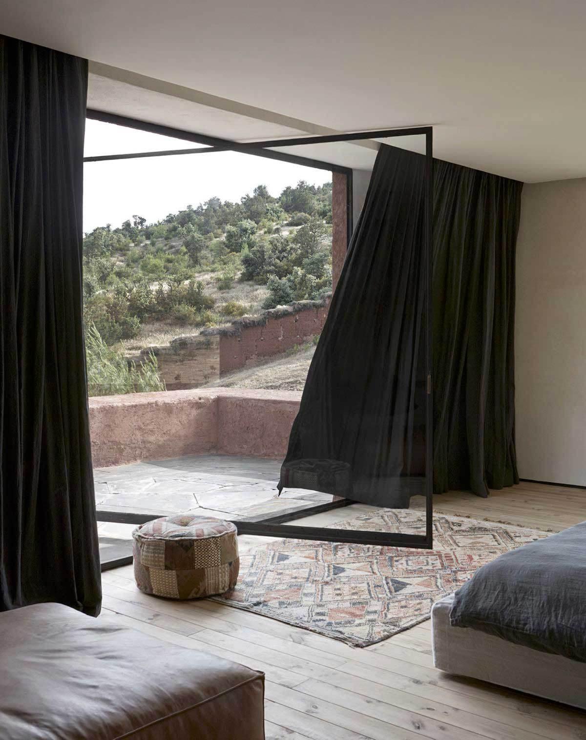 Villa-E-by-Studio-Ko-in-Morocco-Yellowtrace-23 (1)