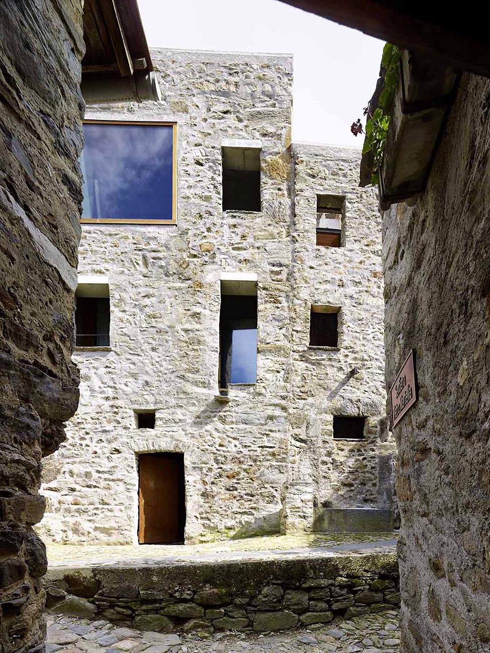 stone_house_scaiano_hqroom_ru_10