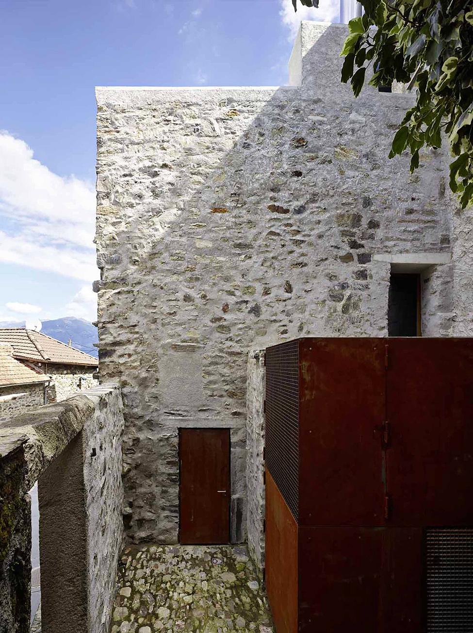 stone_house_scaiano_hqroom_ru_12
