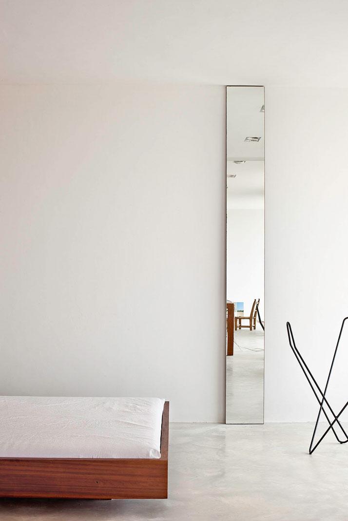 Home-Office-in-Formentera-island-by-Maria-Castello-Martinez-photo--Estudi-EPDSE-yatzer-7