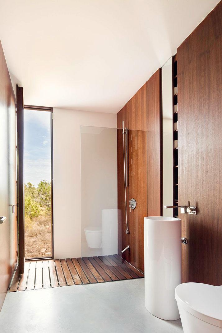 Home-Office-in-Formentera-island-by-Maria-Castello-Martinez-photo--Estudi-EPDSE-yatzer-16