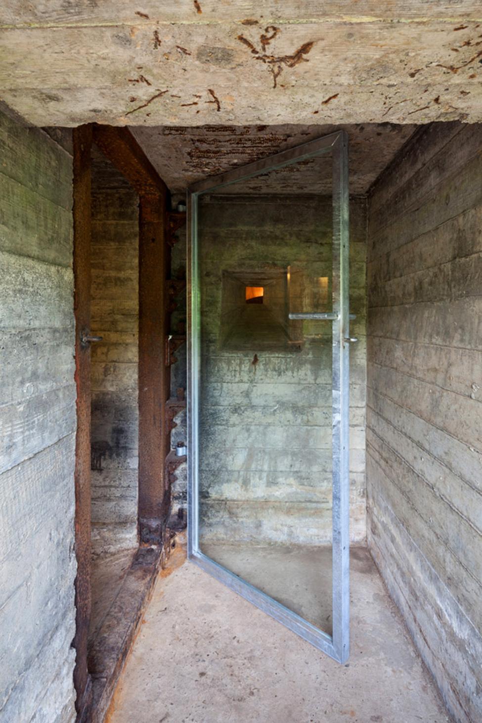 war_bunker_hqroom_ru_2