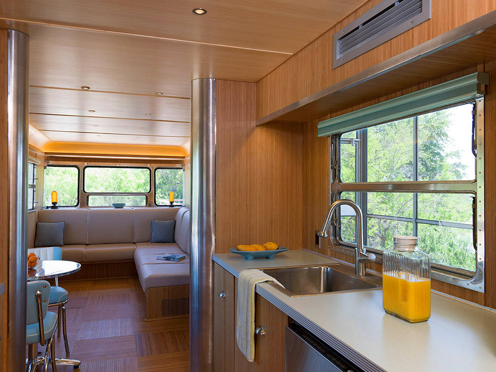 Locomotive_Ranch_Trailer_hqroom_ru_09