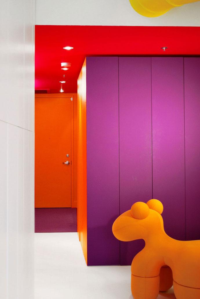 Red-Interiors-ArchitectureArtDesigns-11