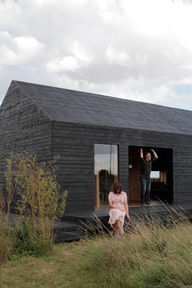 yellowtrace_Ochre-Barn-by-Carl-Turner-Architects_Norfolk-England_10.jpg