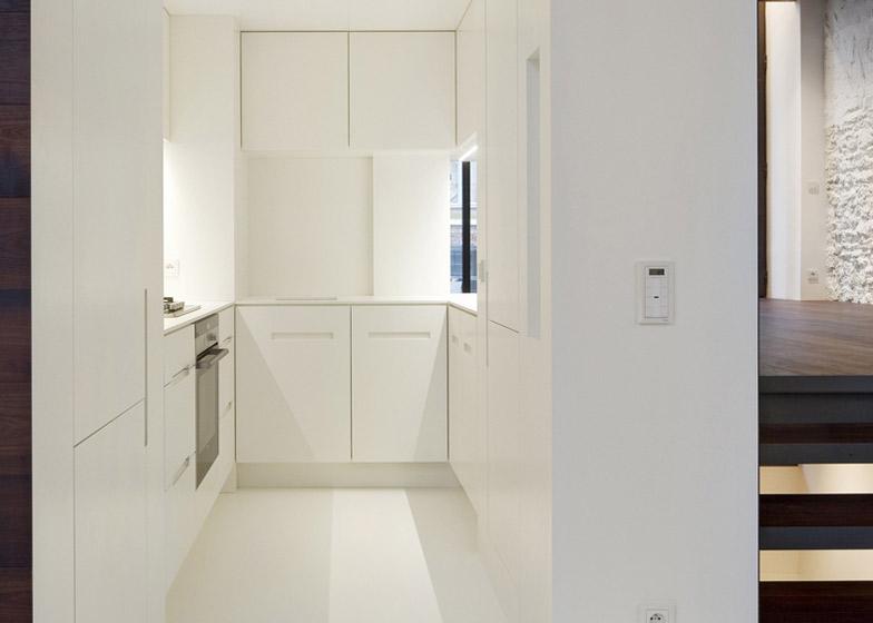 dezeen_Step-House-by-Moussafir-Architectes_ss_10