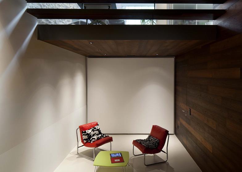 dezeen_Step-House-by-Moussafir-Architectes_ss_22