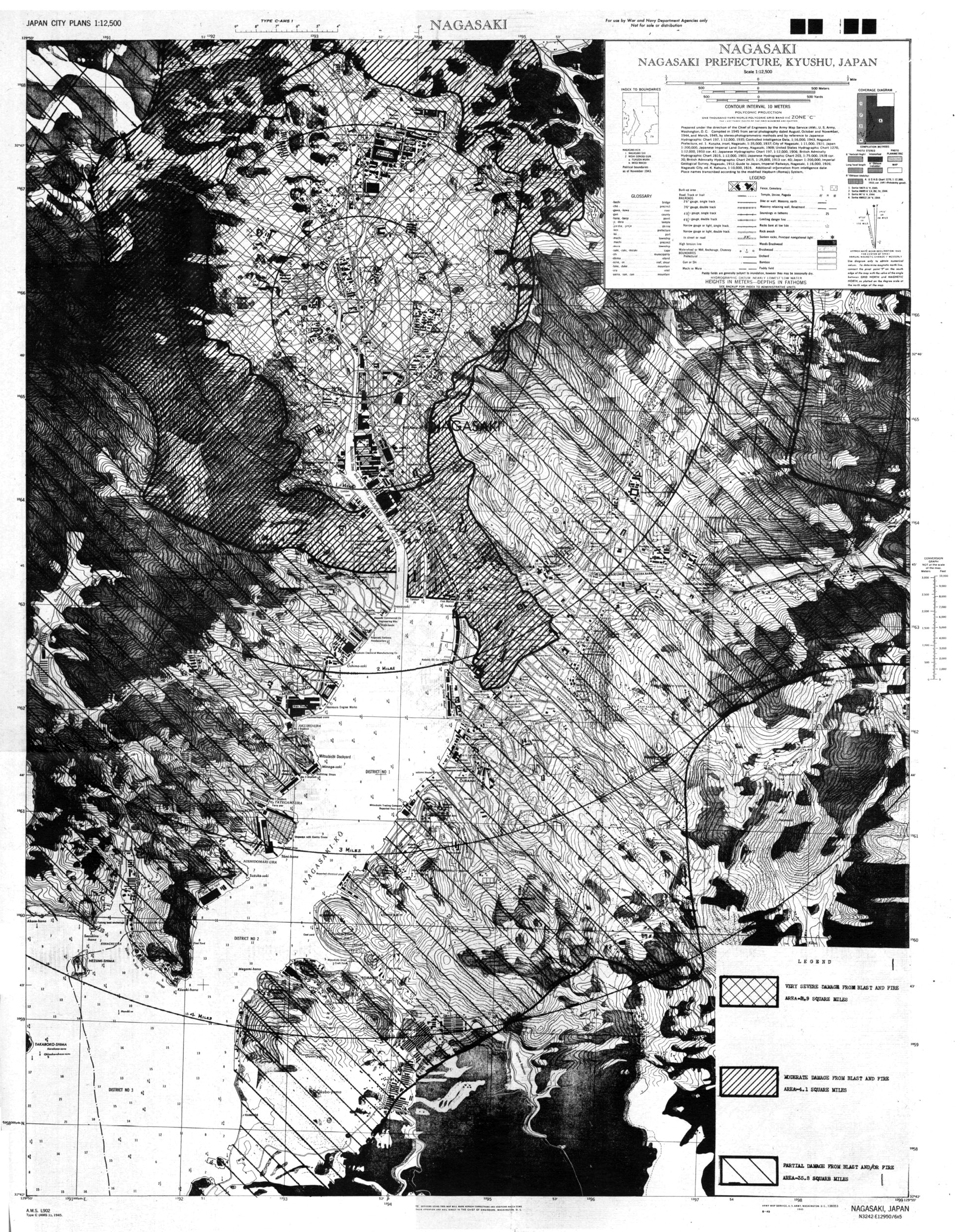 august-1945-damage-from-the-atomic-bombing-of-the-japanese-city-of-EX6M0M.jpg