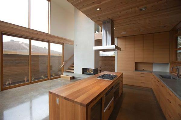Wood-Furnished-Butler-Residence-7