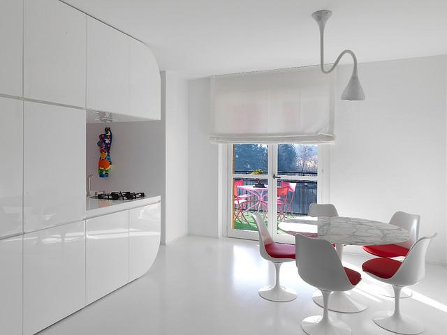white_3_and_red_interior_Romolo_Stanco