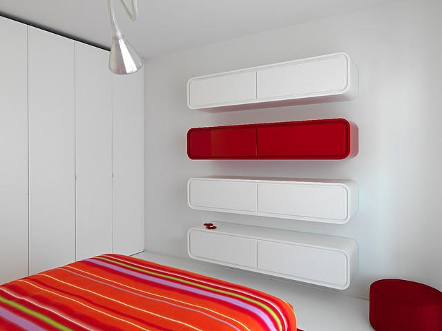 white_9_and_red_interior_Romolo_Stanco