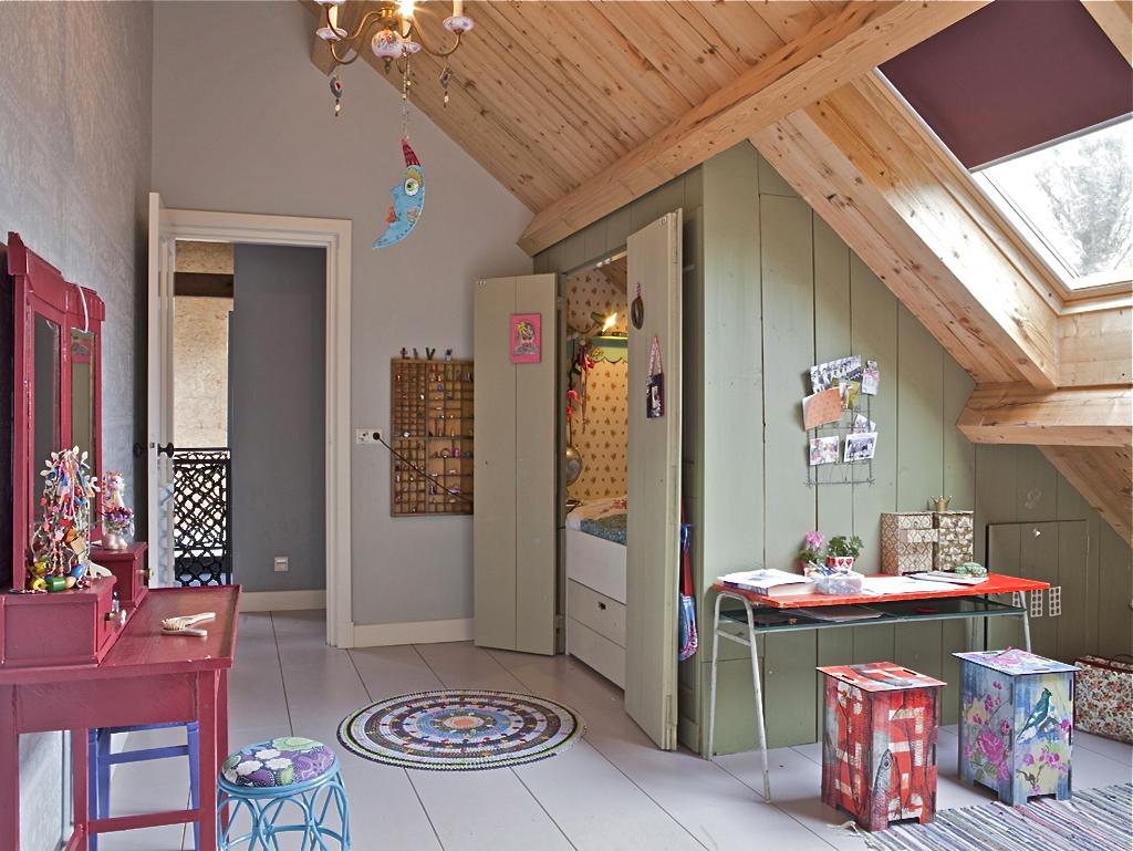 Verbouwde-woonboerderij-kinderslaapkamer-461