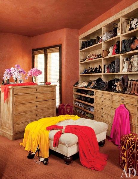 item22.rendition.slideshowWideVertical.will-jada-pinkett-smith-home-23-closet