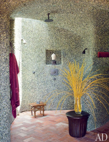 item24.rendition.slideshowWideVertical.will-jada-pinkett-smith-home-25-master-bath