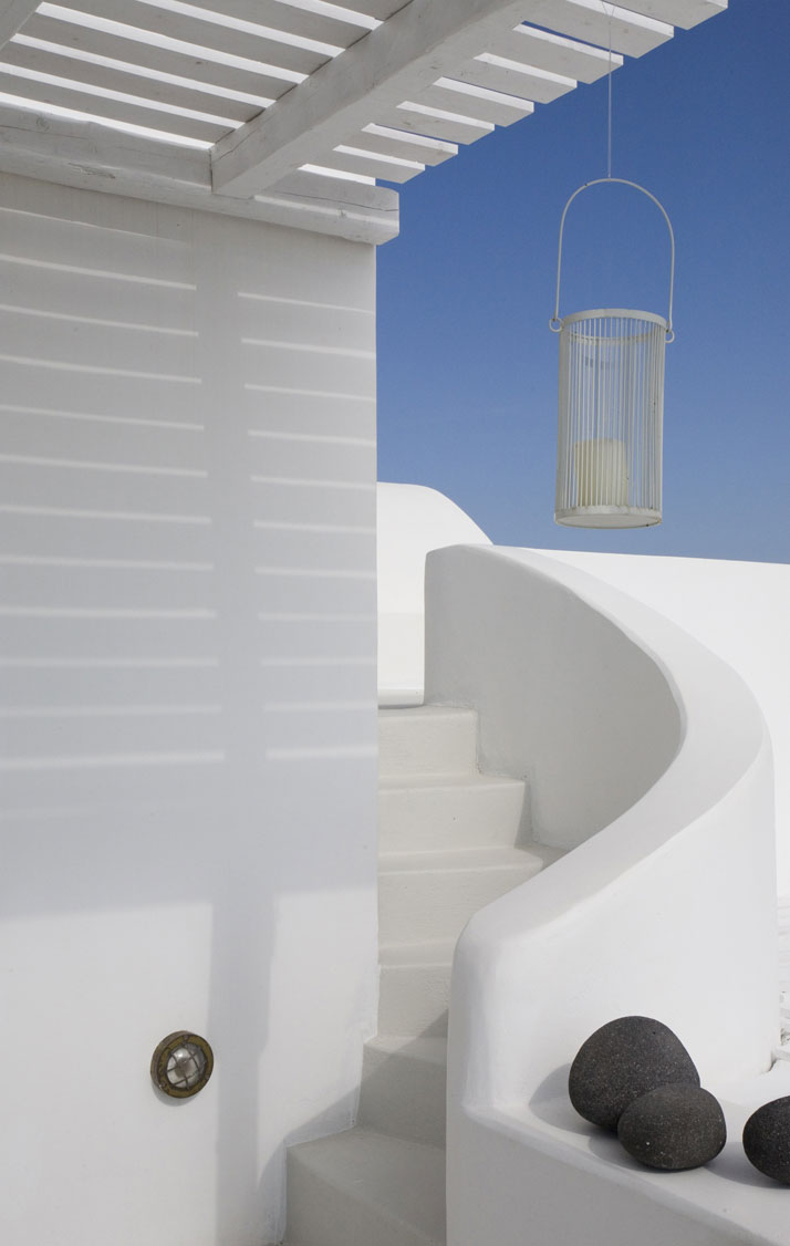 Aenaon-villas-santorini-greece-yatzer-5
