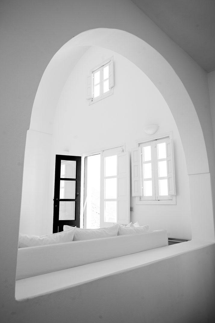 Aenaon-villas-santorini-greece-yatzer-17