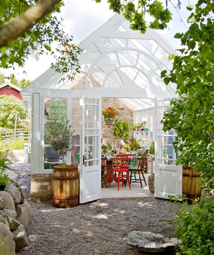 miss-design.com-interior-garden-greenhouse-summer-swedish-1