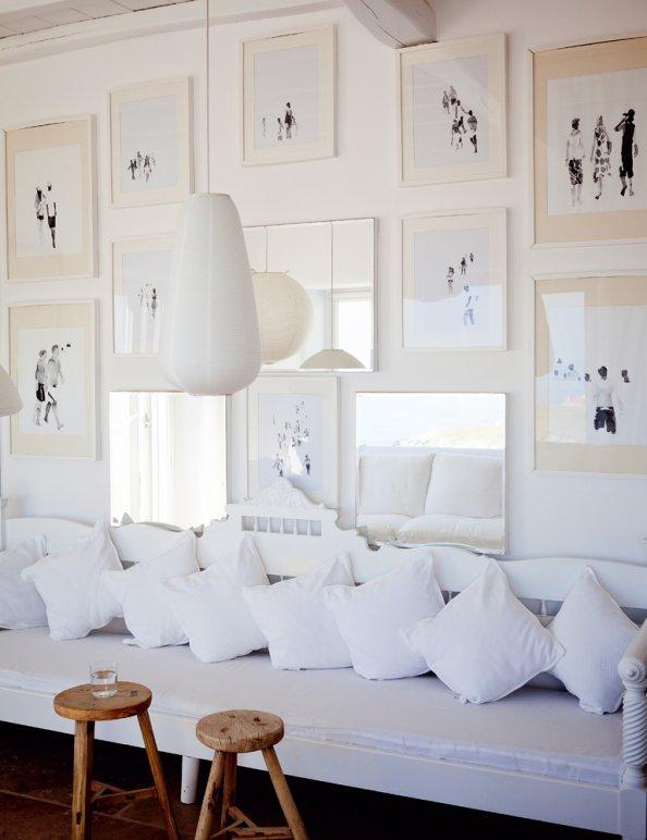 salon-blanc-banquette-couss (1)