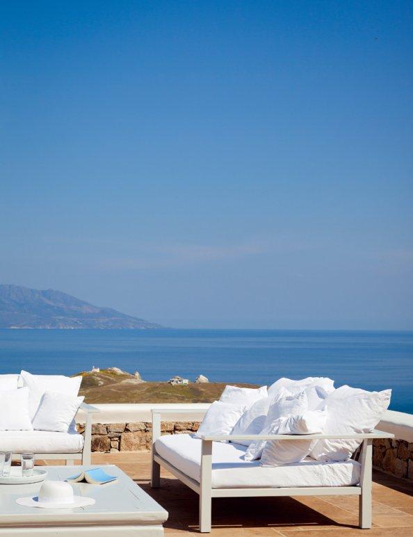 vue-egee-mer-sofa-terrasse