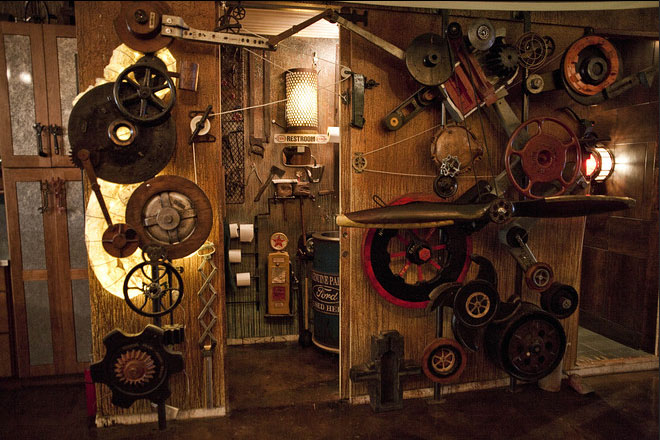 Steampunk-Loft-Apartment_10