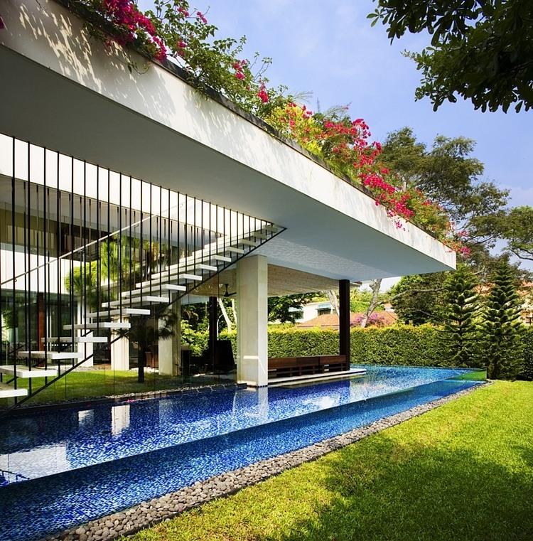 008-tangga-house-guz-architects