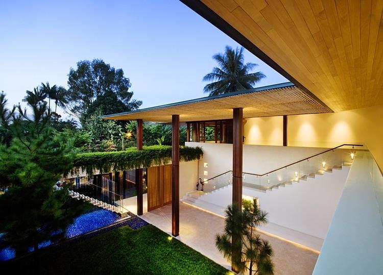 012-tangga-house-guz-architects