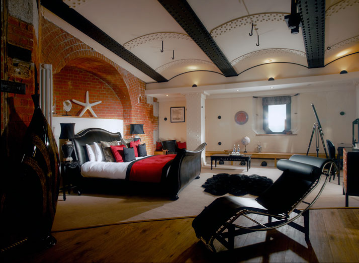 A-Victorian-Coast-Defense-Fort-Is-Transformed-Into-A-Luxury-Hotel-Spitbank-Fort-yatzer-10
