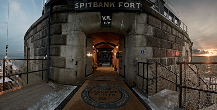 A-Victorian-Coast-Defense-Fort-Is-Transformed-Into-A-Luxury-Hotel-Spitbank-Fort-yatzer-15
