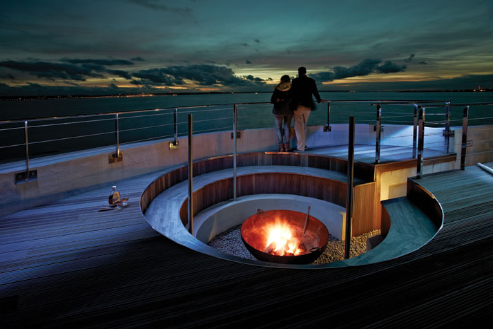 A-Victorian-Coast-Defense-Fort-Is-Transformed-Into-A-Luxury-Hotel-Spitbank-Fort-yatzer-12 (1)