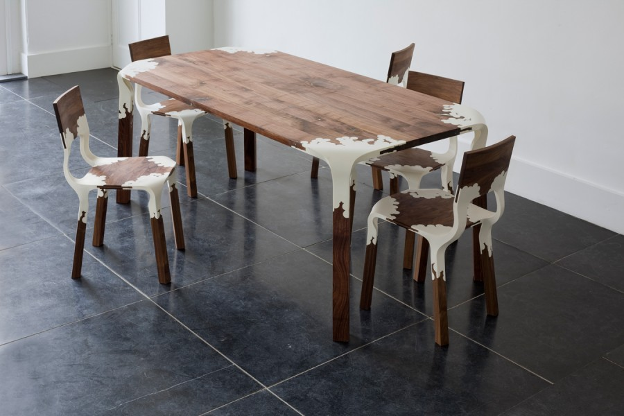 PlasticNature-table-chairs-PeLiDesign-900x600