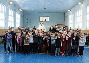 «Мебельный Базар» поздравил детей школы-интерната №95 с Новым Годом и Рождеством