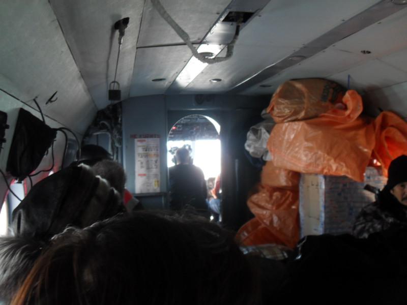 Салон вертолета МИ-8 рейс Тиличики — Пахачи