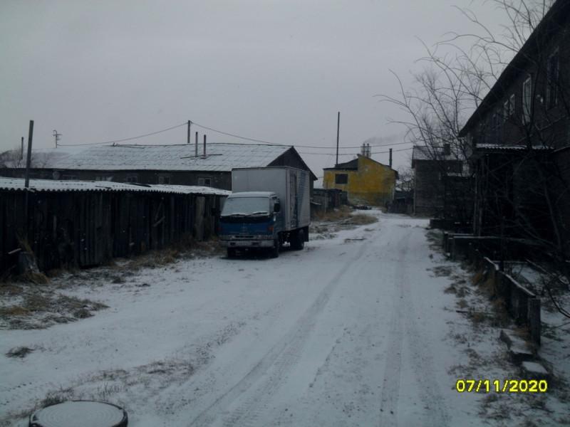 Камчатка село Пахачи двор дома 20 на ул. Морская
