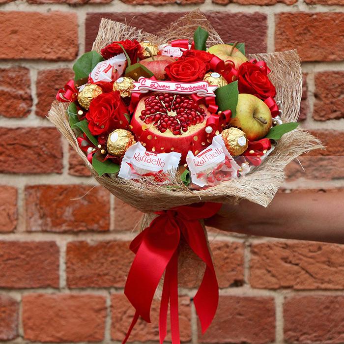 Букет из фруктов и конфет своими руками фото