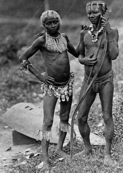 Great_Andamanese_-_two_men_-_1875