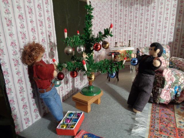 Decorating the Christmas Tree 2